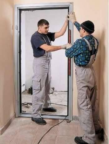 Как правильно установить входные двери